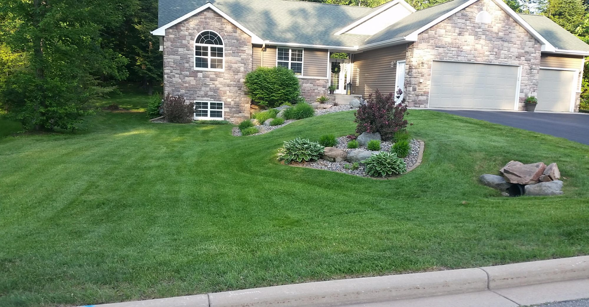 YACH'S LAWN CARE